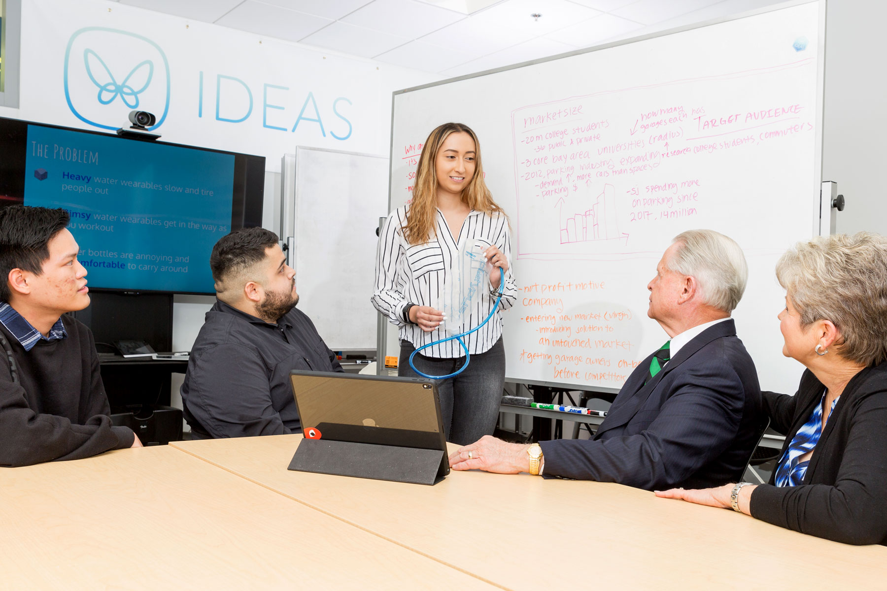 SJSU student Jasmine Sanchez participates in the Ideas club.